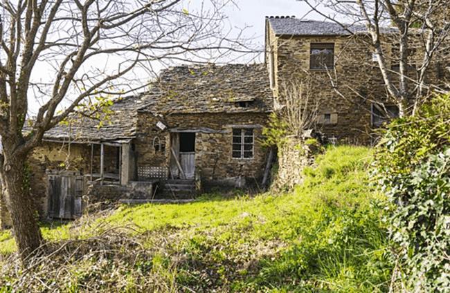 Hàng loạt ngôi làng được rao bán giá rẻ ở Tây Ban Nha