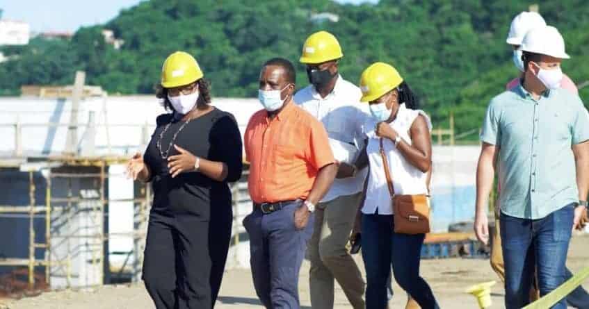 Thủ tướng Grenanda khen ngợi tiến độ xây dựng và đóng góp của dự án Kimpton Kawana Bay