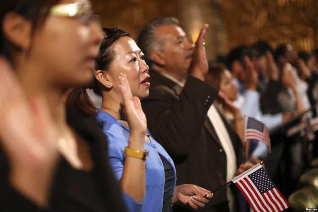 Vì sao nên nhập quốc tịch Hoa Kỳ?