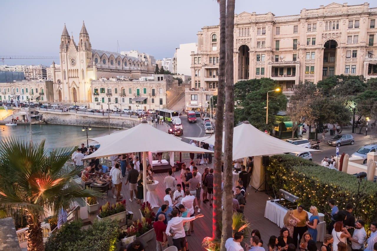 Malta là một trong những quốc gia có chi phí rẻ nhất để sinh sống và học tập. Ảnh: wsj.com