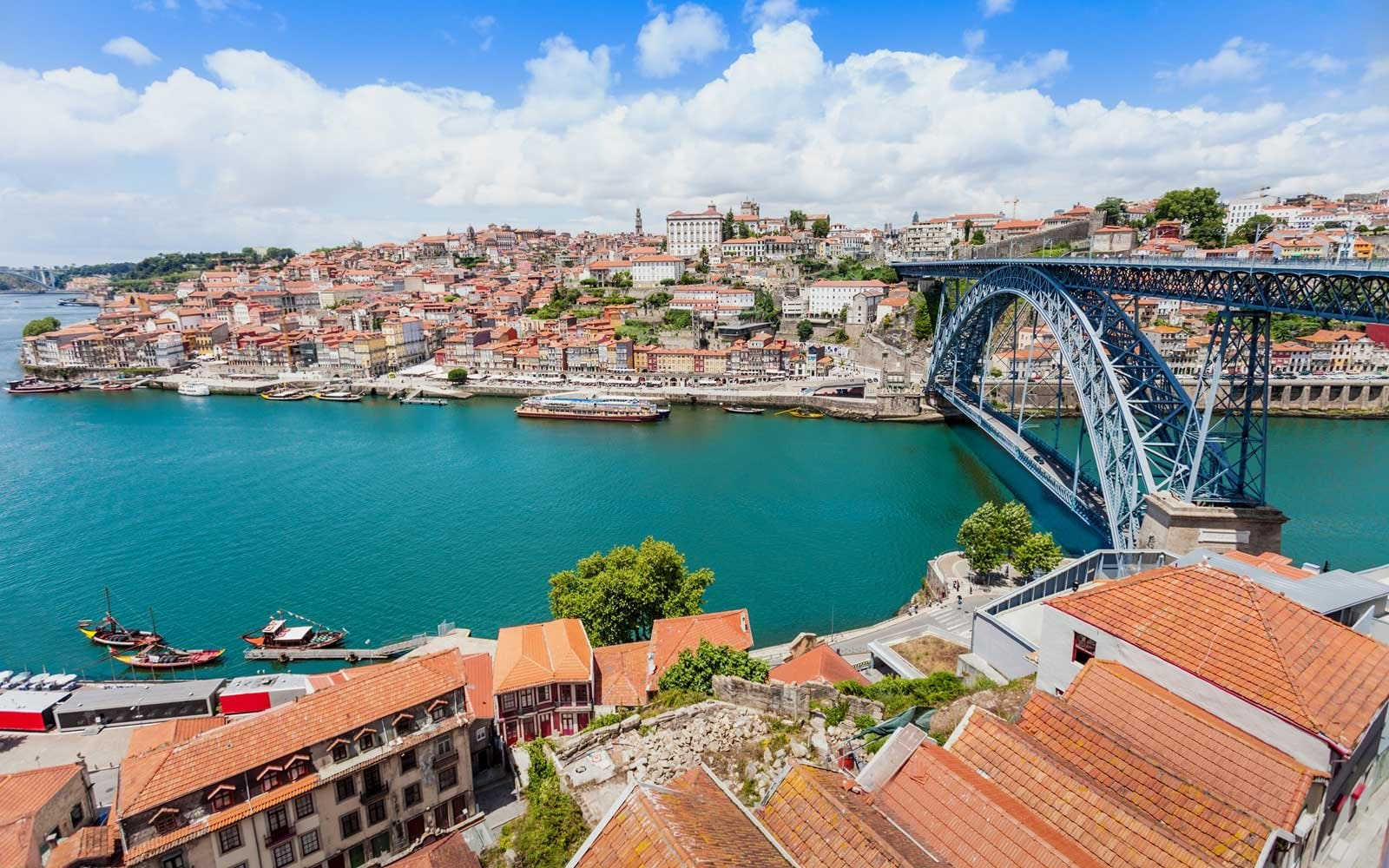 Tax policy benefits the Portuguese citizenship