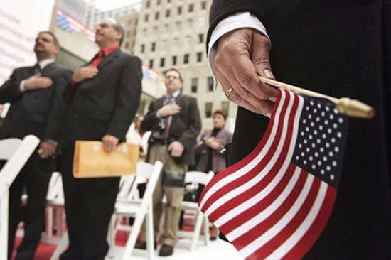 Sở Di Trú Mỹ đề xuất tăng phí thụ lý hồ sơ định cư Mỹ 2016