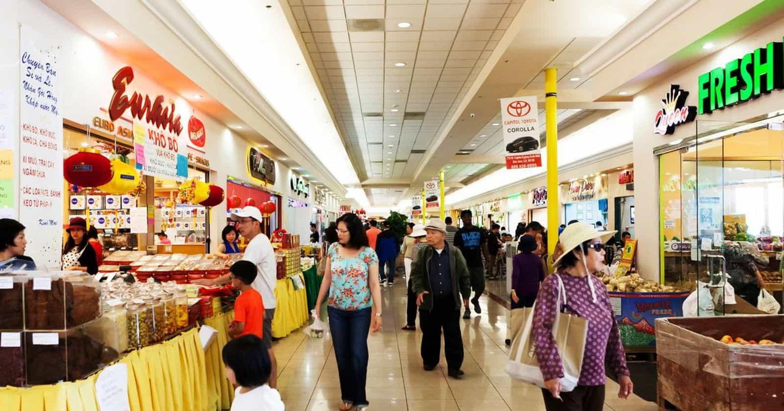 Một khu thương mại ở San Jose, nơi có nhiều người Việt sinh sống